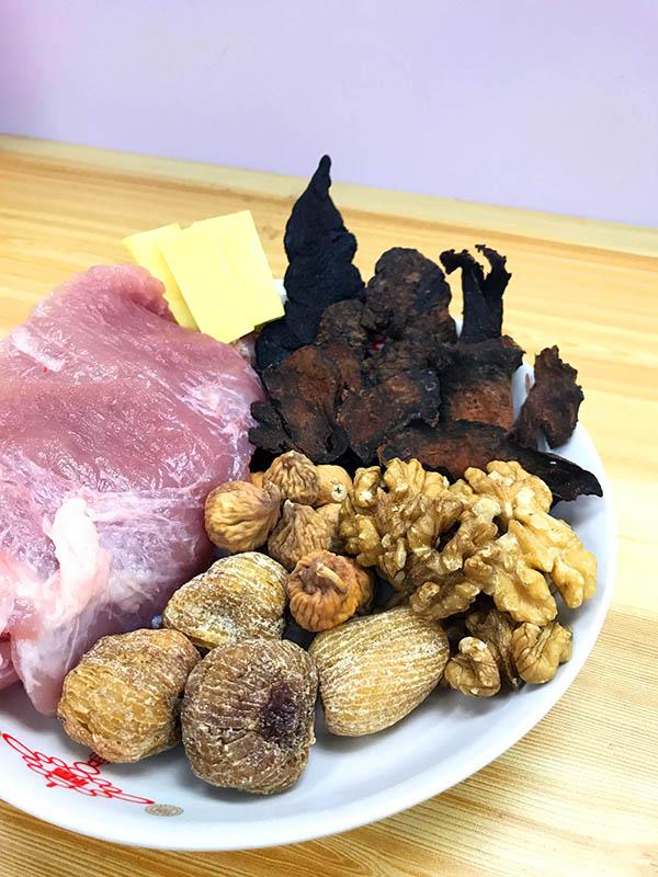fig-yellow-walnut-soup-2-600px.jpg